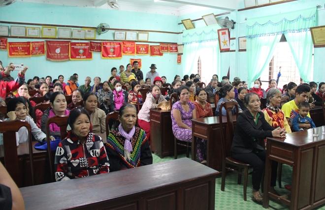Chung tay giúp đồng bào vùng cao Nam Đông khắc phục hậu quả bão số 9 - Ảnh minh hoạ 11
