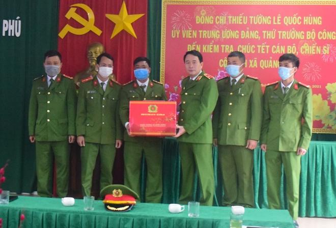 Thứ trưởng Lê Quốc Hùng kiểm tra công tác, chúc Tết các đơn vị Công an xã - Ảnh minh hoạ 2