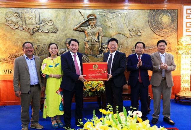 Thứ trưởng Lê Quốc Hùng kiểm tra công tác ứng trực và chúc Tết Công an tỉnh Thừa Thiên Huế