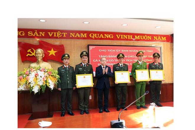Thứ trưởng Lê Quốc Hùng kiểm tra công tác ứng trực và chúc Tết Công an tỉnh Thừa Thiên Huế - Ảnh minh hoạ 2