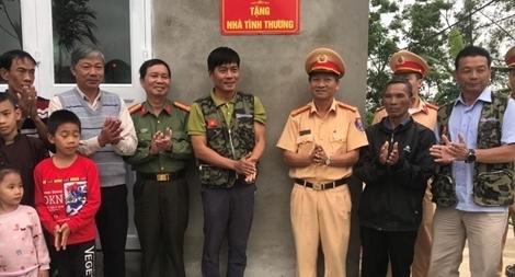 Công an Thừa Thiên Huế hỗ trợ kinh phí xây nhà ở cho người nghèo