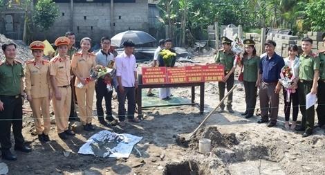 Hỗ trợ xây nhà tình nghĩa cho gia đình mẹ Việt Nam anh hùng