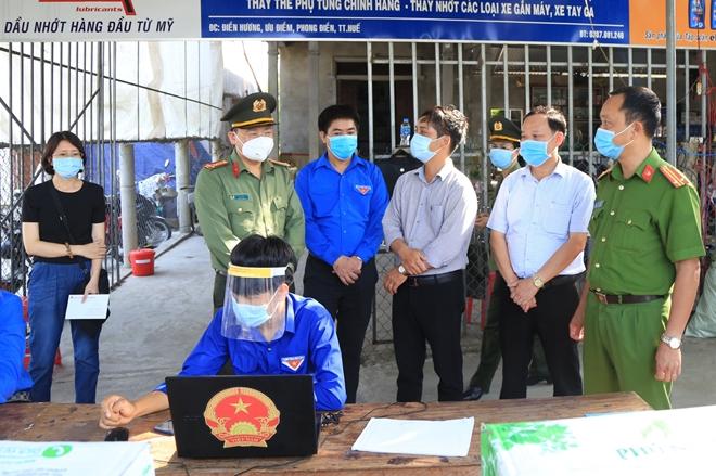 Giám đốc Công an tỉnh Thừa Thiên Huế  động viên lực lượng tuyến đầu chống dịch