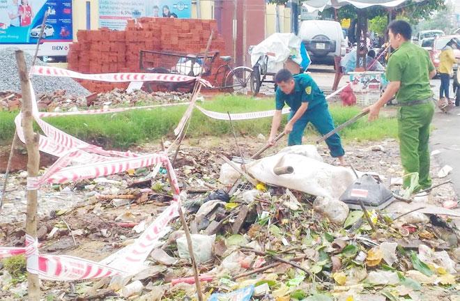 Công an Phú Yên giúp dân khắc phục hậu quả thiên tai mưa lũ