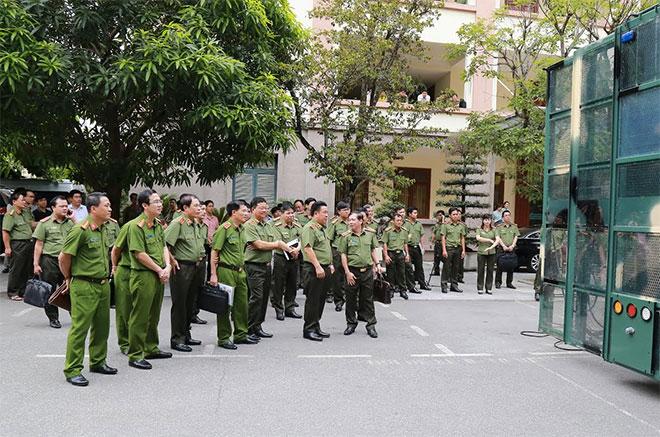 Tổng kiểm tra việc bảo quản phương tiện phục vụ công tác chiến đấu