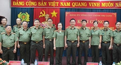 Tổng cục Chính trị CAND khai giảng Lớp bồi dưỡng nghiệp vụ công tác Đảng