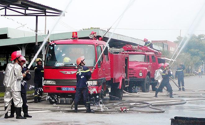 Những người lính phòng cháy cho 2 Di sản Văn hóa thế giới