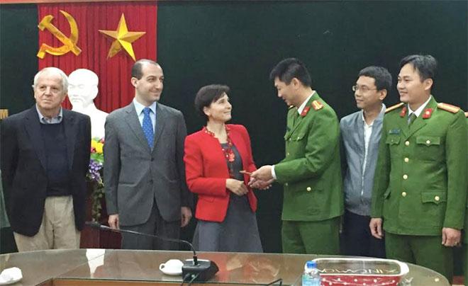 Đại sứ Italia tại Việt Nam cảm ơn Công an quận Hoàn Kiếm