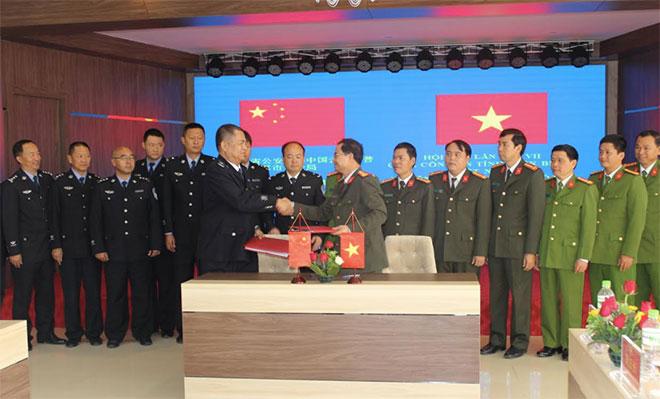 Hội đàm giữa Công an tỉnh Điện Biên với Cục Công an TP Phổ Nhĩ -Trung Quốc