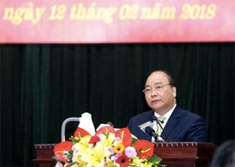 Thủ tướng Nguyễn Xuân Phúc đánh giá cao những thành tựu toàn diện của Bộ Tư lệnh Thủ đô Hà Nội năm 2017 - Ảnh: VGP/Quang Hiếu