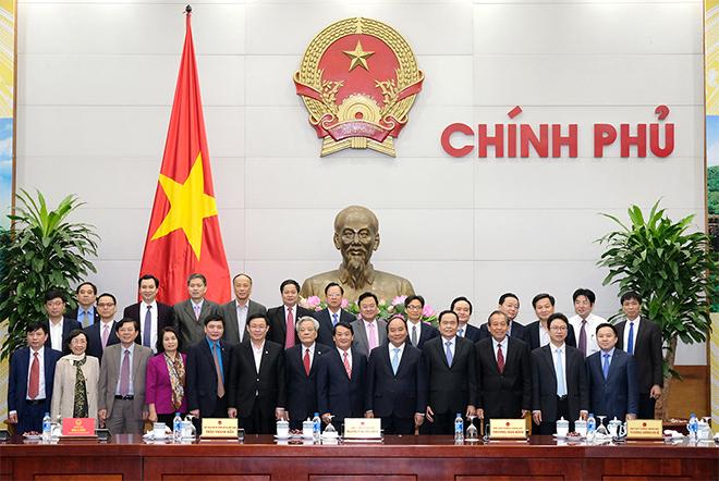 Thủ tướng và các Phó Thủ tướng làm việc với lãnh đạo Ủy ban Trung ương MTTQ Việt Nam. Ảnh: VGP/Quang Hiếu