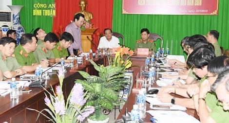 Thứ trưởng Nguyễn Văn Sơn kiểm tra công tác tại Công an Bình Thuận