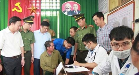 Đoàn thanh niên Bộ Công an khám, phát thuốc miễn phí tại Nghệ An