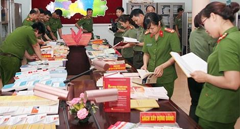 Công an Tuyên Quang với phong trào đọc sách, báo