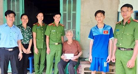 Công an huyện Bù Đốp và nghĩa tình với gia đình thương binh, liệt sỹ