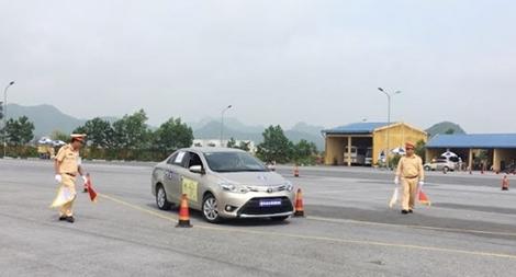 Chung kết toàn quốc Hội thi lái xe ô tô giỏi và an toàn