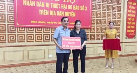 Công ty Phượng Hoàng hỗ trợ người dân huyện Mộc Châu 1 tỷ đồng khắc phục hậu quả thiên tai