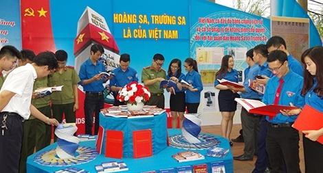 Công an tỉnh Thái Nguyên tuyên truyền nhận thức về biển đảo cho đoàn viên, học sinh