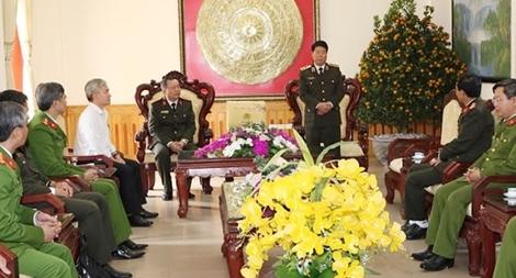 Thứ trưởng Bùi Văn Nam kiểm tra ứng trực, bảo vệ Tết Nguyên đán ở Hà Nam
