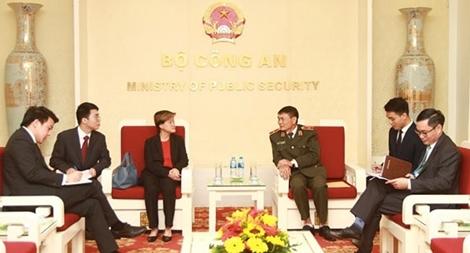 Tăng cường hợp tác đấu tranh phòng, chống tội phạm giữa Việt Nam và Singapore