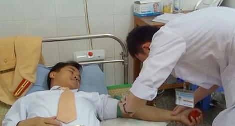 Thiếu tá công an Quảng Xương hiến máu cứu người