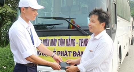 Thiếu úy Cảnh sát hình sự nhặt được ví trả lại người mất