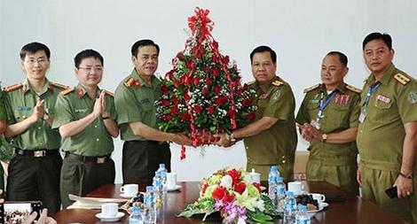 Phối hợp đảm bảo an ninh giữa Công an 2 tỉnh biên giới Việt Nam- Lào