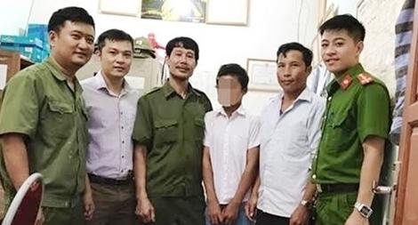 Cậu bé 12 tuổi người Mông đi lạc được Công an chăm sóc, tìm lại người thân