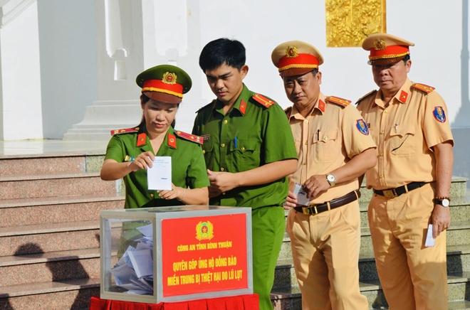 Công an Bình Thuận quyên góp 500 triệu đồng ủng hộ đồng bào miền Trung - Ảnh minh hoạ 3