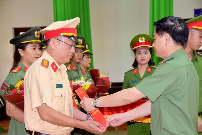 Công an Bình Thuận tăng cường  cán bộ về tuyến dưới