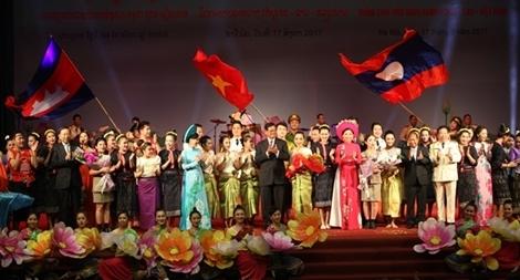 """Giao lưu nghệ thuật """"Thắm tình hữu nghị Campuchia – Lào – Việt Nam"""""""