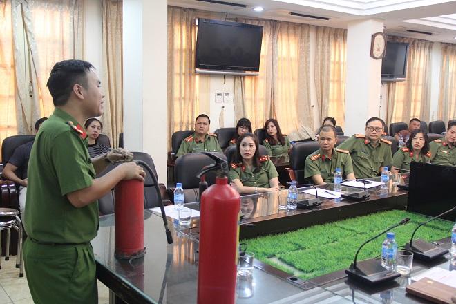 Báo CAND tập huấn phòng cháy chữa cháy cho cán bộ, chiến sĩ - Ảnh minh hoạ 9