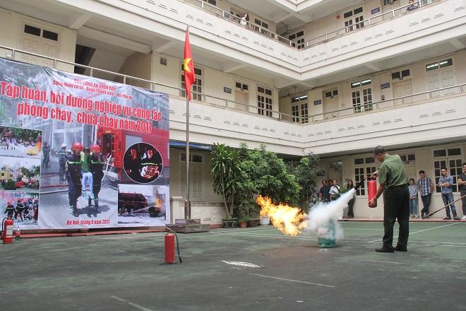 Báo CAND tập huấn phòng cháy chữa cháy cho cán bộ, chiến sĩ - Ảnh minh hoạ 5