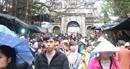Hàng vạn du khách đến với ngày khai hội chùa Hương năm 2018