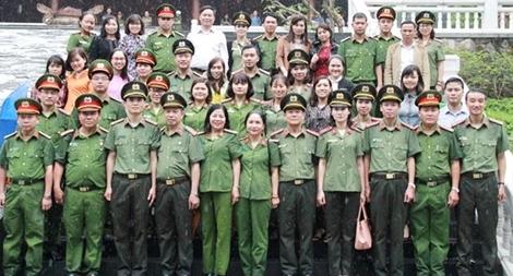 Công đoàn Tổng cục Chính trị CAND báo công dâng Bác tại Khu di tích K9