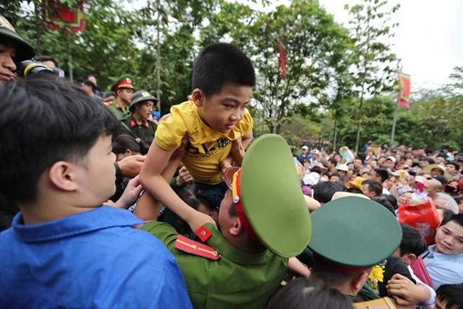 Lực lượng Công an bảo đảm an toàn tuyệt đối cho lễ giỗ Tổ Hùng Vương - Ảnh minh hoạ 8