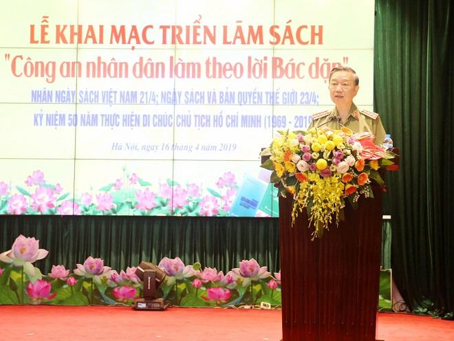 Bộ trưởng Tô Lâm phát động phong trào đọc sách trong Công an nhân dân