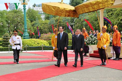 Quốc vương Campuchia đón và hội kiến với Chủ tịch nước Trần Đại Quang