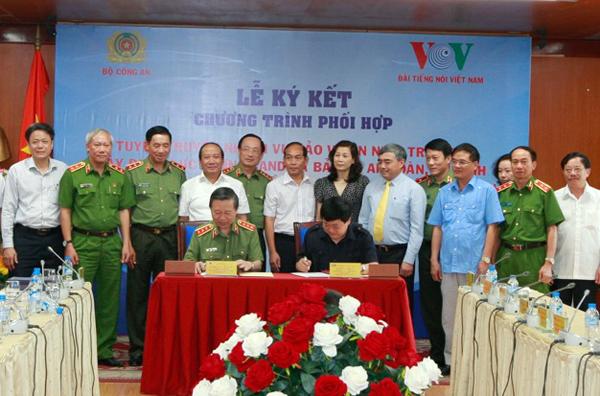 Bộ Công an và Đài Tiếng nói Việt Nam ký kết chương trình phối hợp công tác tuyên truyền