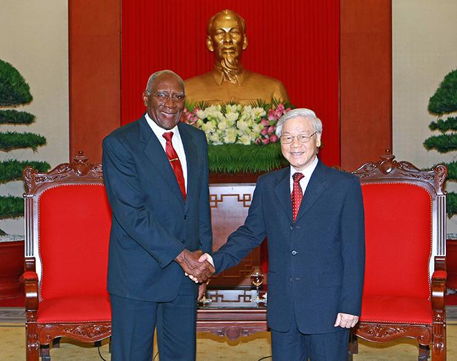 Việt Nam - Cuba khẳng định tình đoàn kết trước sau như một