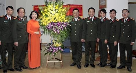 Lãnh đạo Tổng cục Chính trị CAND chúc mừng Hội Phụ nữ Bộ Công an