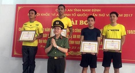 180 VĐV tham dự giải bơi Công an tỉnh Nam Định năm 2017