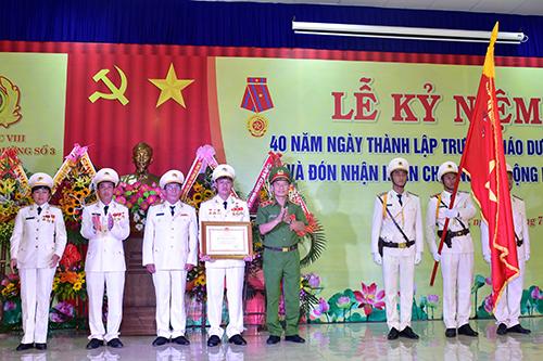 Trường Giáo dưỡng số 3 vinh dự đón nhận Huân chương Lao động hạng Ba