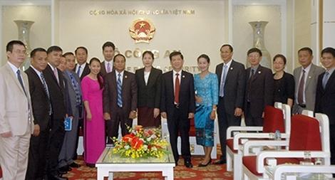 Thứ trưởng Nguyễn Văn Sơn tiếp đoàn đại biểu Bộ An ninh Lào