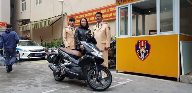 Phát hiện xe máy bị trộm một năm trước trao trả cho người dân