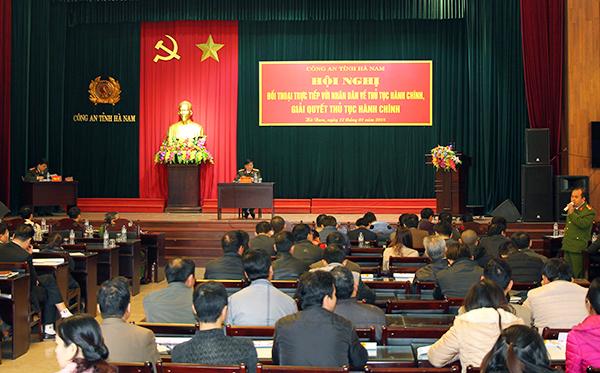 Công an Hà Nam đối thoại với nhân dân về thủ tục hành chính