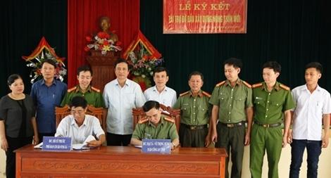 Công an tỉnh Hà Tĩnh đỡ đầu xã xây dựng nông thôn mới
