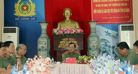 Thứ trưởng Nguyễn Văn Thành làm việc tại Cà Mau