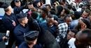 """Cảnh sát Pháp rơi vào """"khủng hoảng"""" do căng thẳng về điều kiện làm việc"""