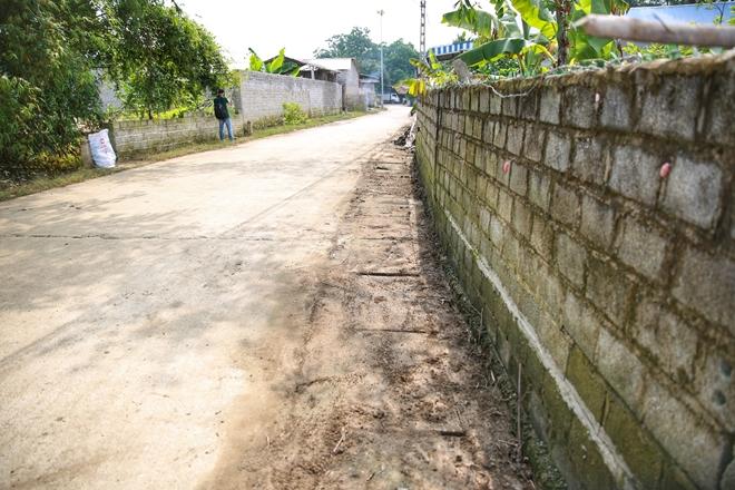 Cảnh sát PCCC vào vùng lụt giúp dân dọn sạch đường - Ảnh minh hoạ 9